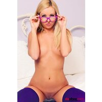 Aaliyah Love Blonde Brille  pics